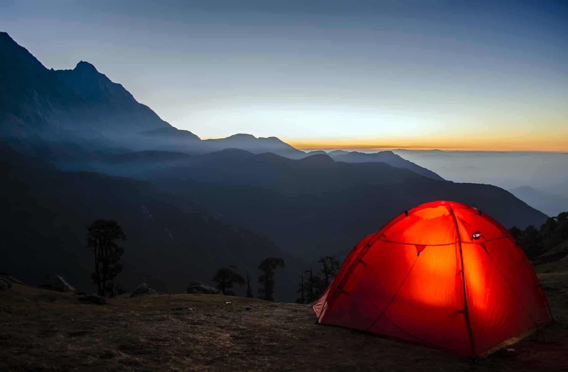 Une solution d'hébergement économique… La tente.