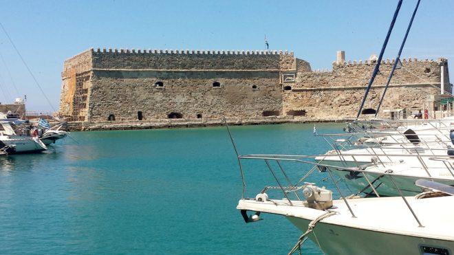Le port d'Heraklion.