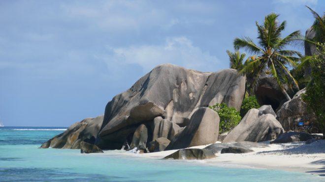 Une plage aux Seychelles.