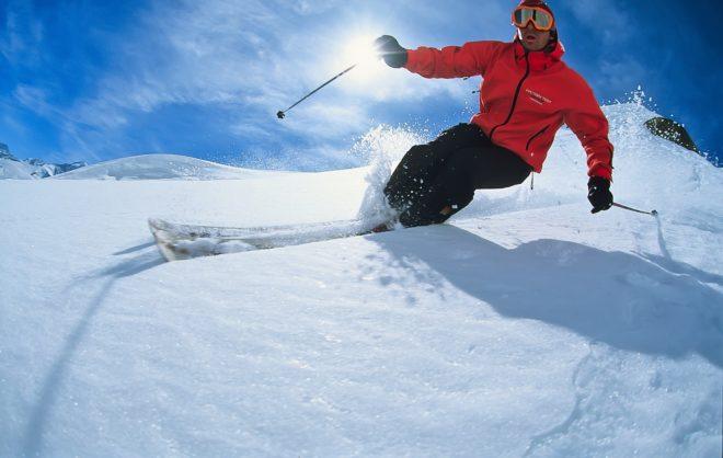 Illustration. La pratique du ski.