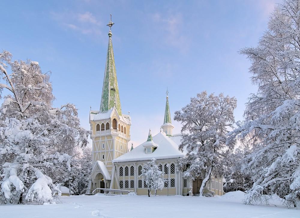Une église à Jokkmokk, en Laponie (Suède).