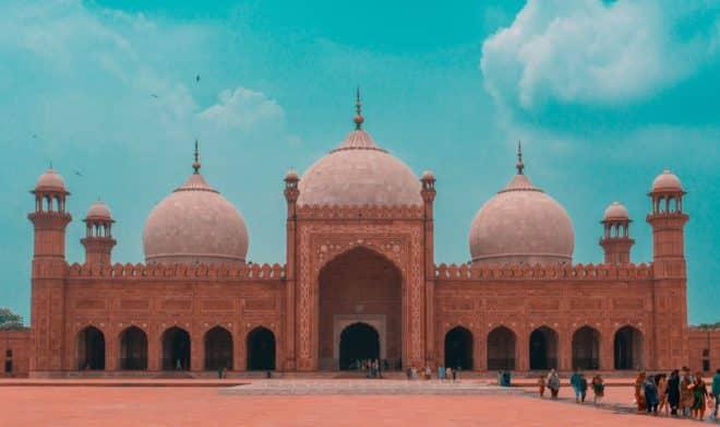 La mosquée Badshahi à Lahore, en Inde.