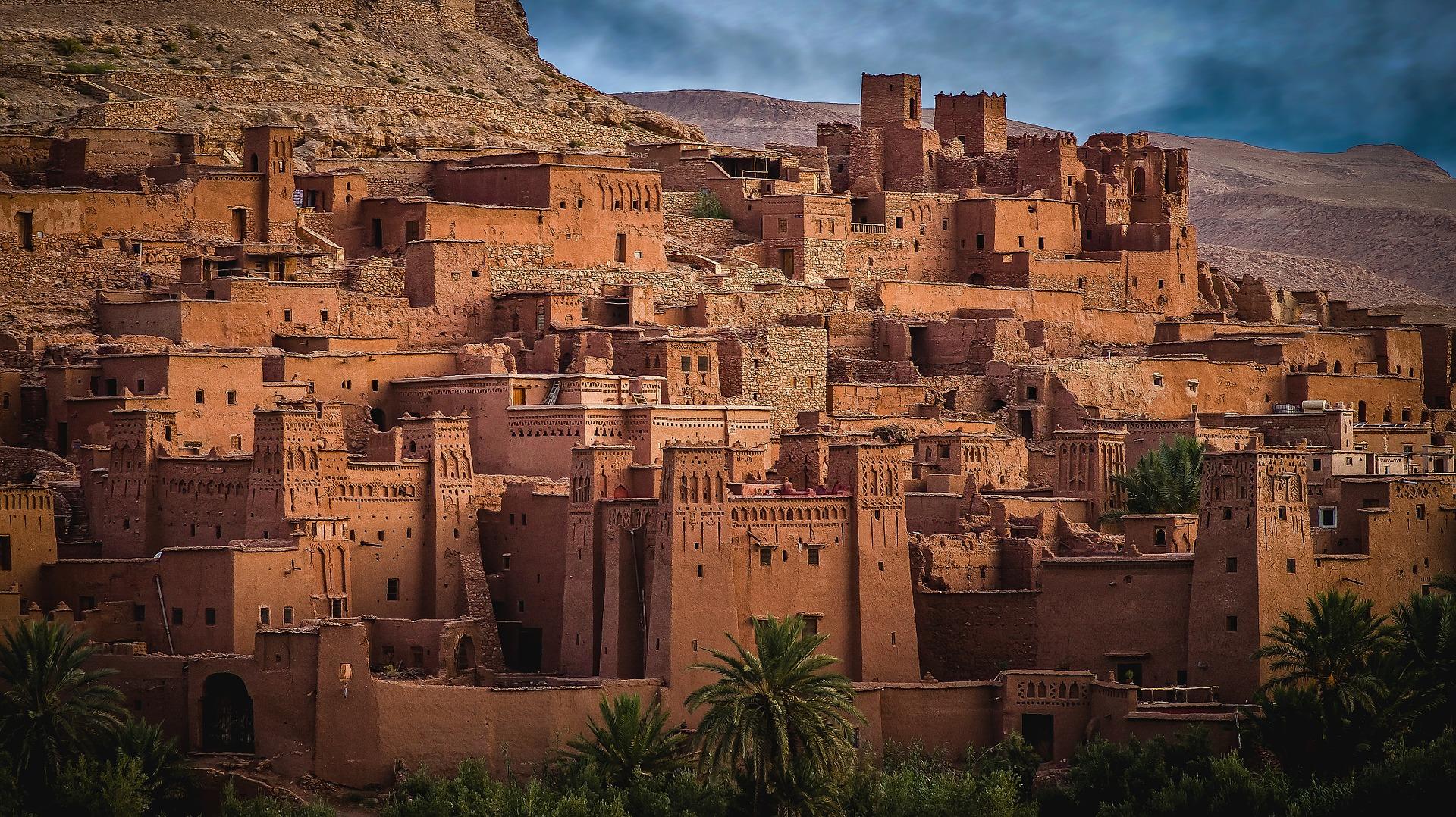 Kasbah Ait Ben Haddou, dans les montagnes de l'Atlas, au Maroc.