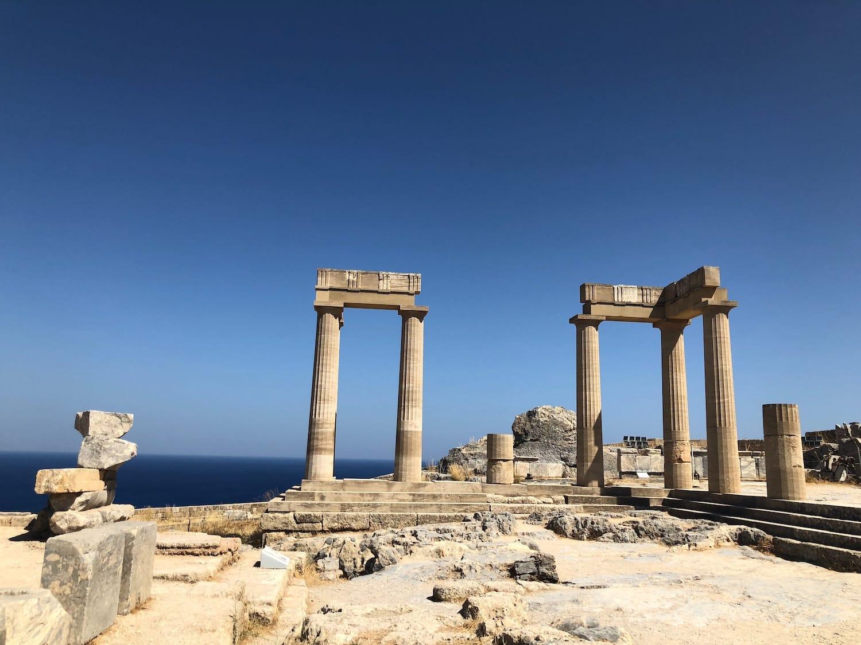 Temple en ruines à Rhodes, en Grèce.