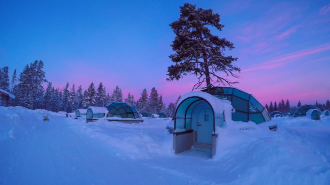 Village igloo au Kakslauttanen Arctic Resort en Finlande.